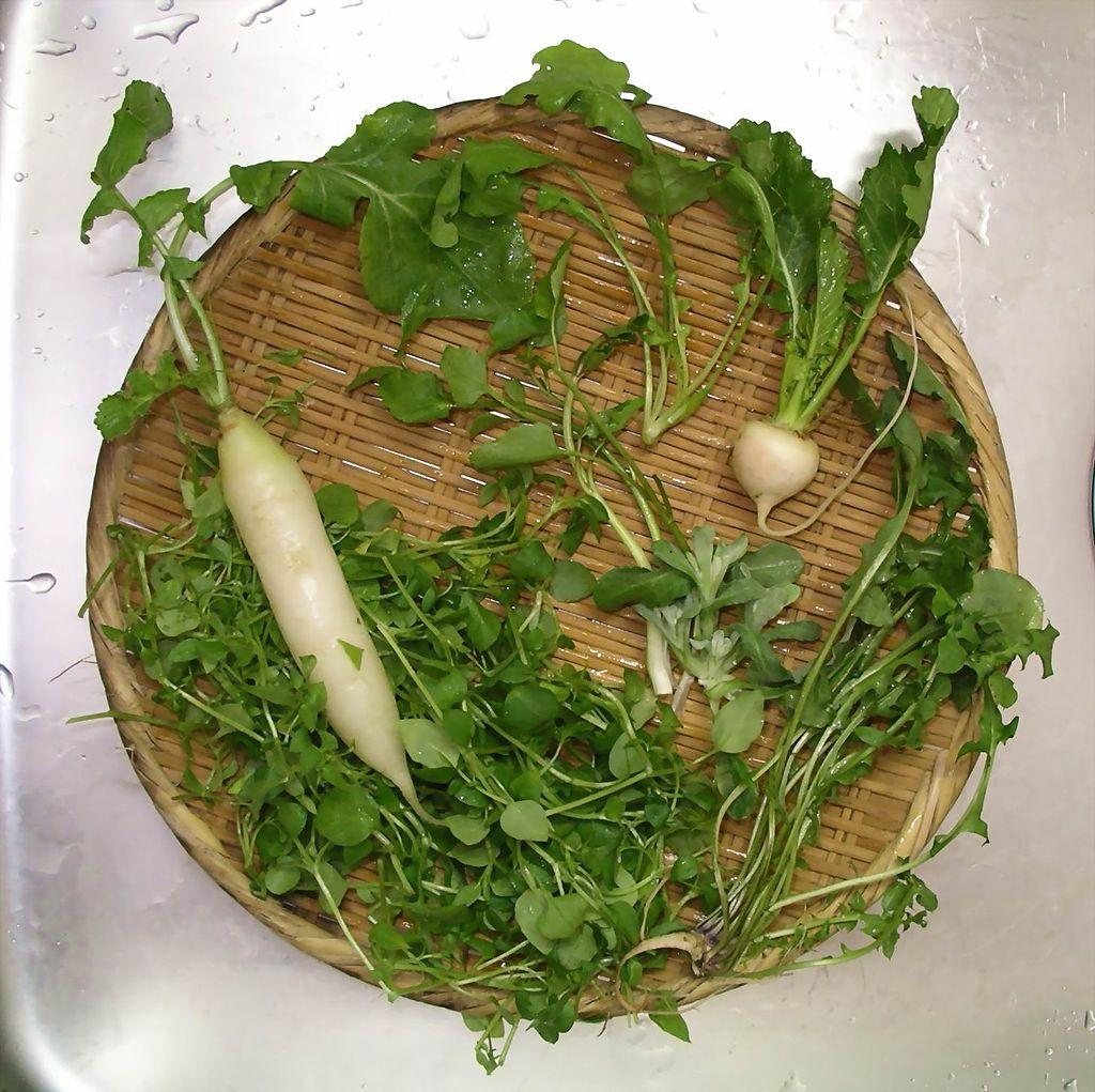 なんで草を食べるんだwww1月7日は七草粥の日!