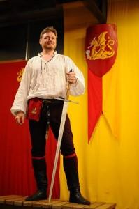 代表のジェイさん。まさに騎士(ナイト)だ!