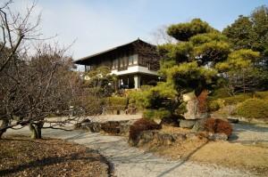 刈谷城本丸跡 建物は十朋亭(再建)wikipediaより。