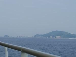 【高島】 「軍艦島(端島)」同じく炭鉱で栄えていた町です。