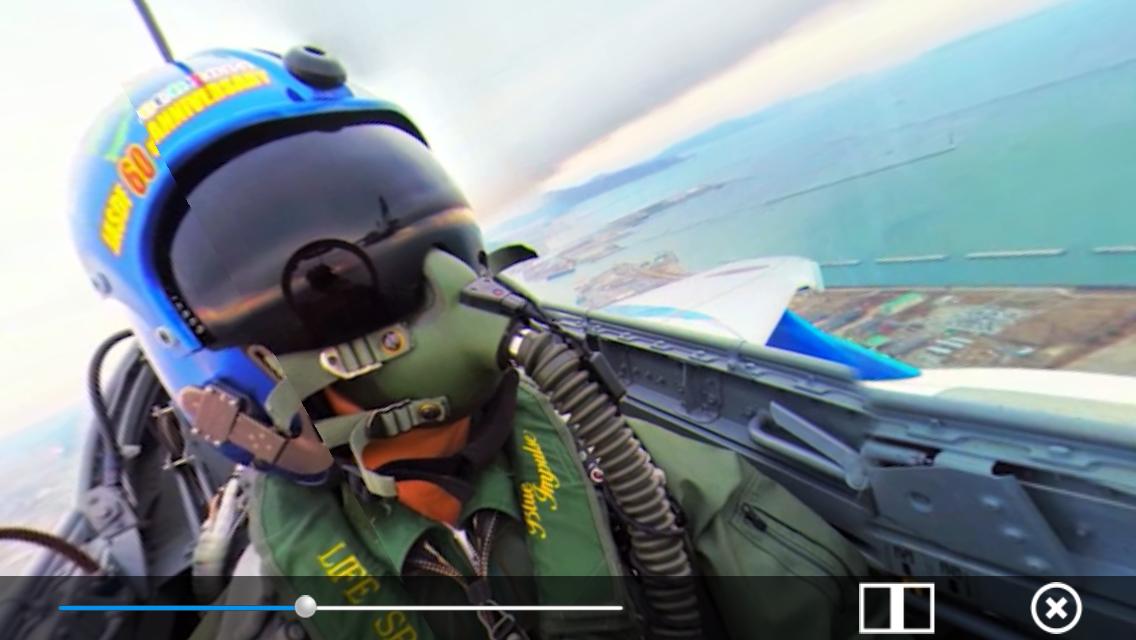 【初めての映像!】あの「ブルーインパルス」のパイロットになれるアプリが登場!