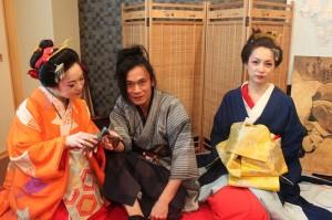 3人ともイラストレーター!右からいずみさん、真ん中は永井秀樹さん、左は照紗さん。