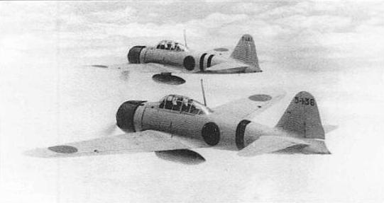 宜昌基地から南鄭攻撃のため、中国上空を飛ぶ零戦11型。wikipediaより。