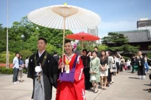 増上寺での花嫁行列。
