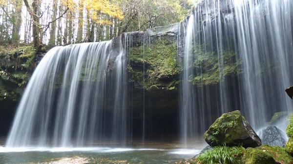 1位の鍋ヶ滝(熊本県)。これはヤバイ!