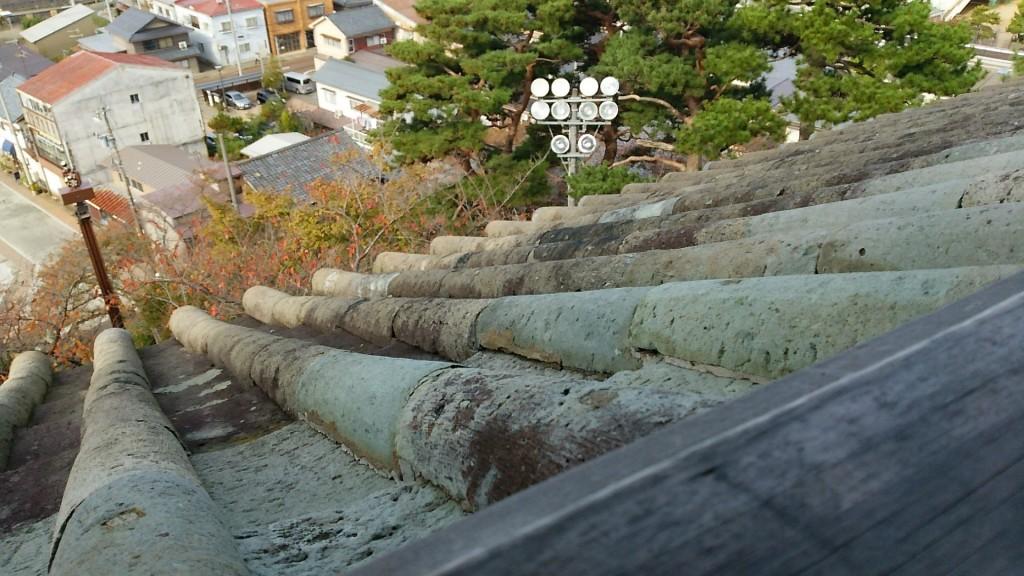 総重量120トンもする石瓦。