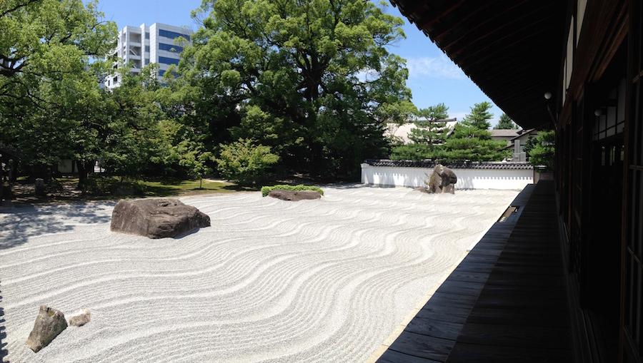 美しい承天寺方丈。