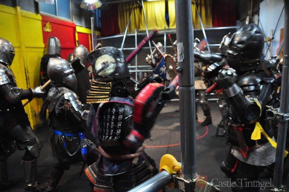 【 甲冑格闘技 】騎士を選んでバトル!めざせKING or QUEEN!