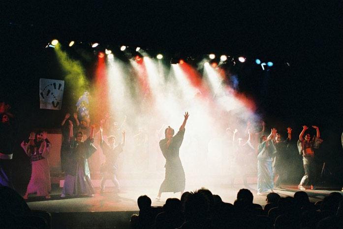 過去の公演のエンディング。踊ってますw