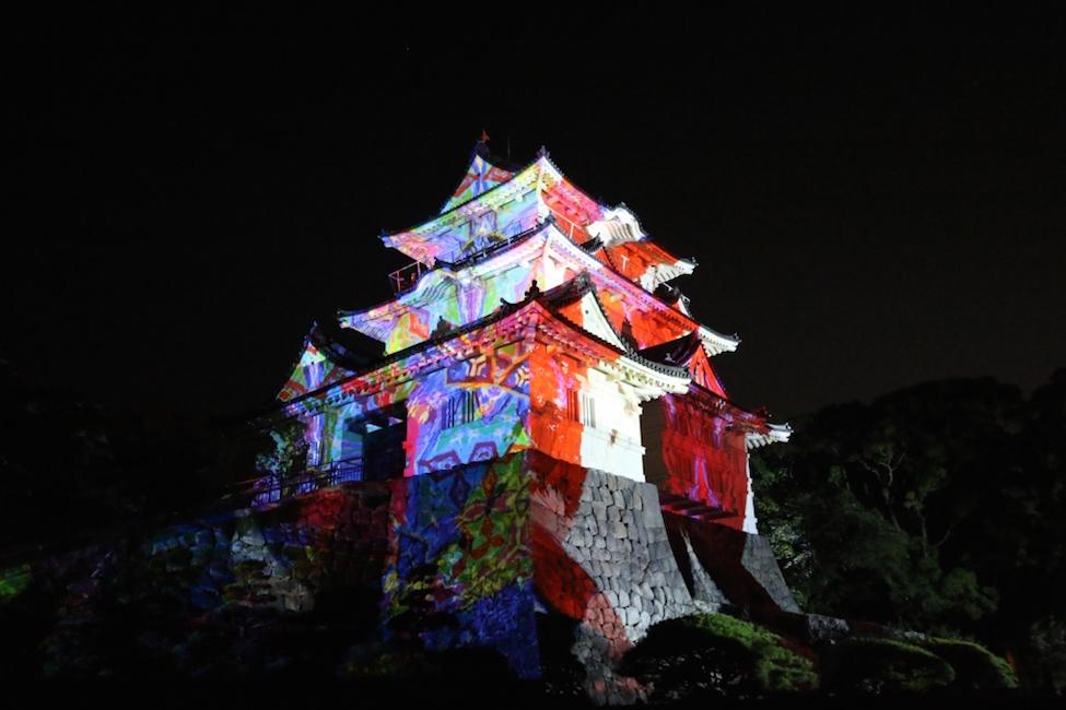 【 5/5まで 】リニューアルした小田原城が「デジタル掛け軸」で彩られるチャンスを見逃すな!
