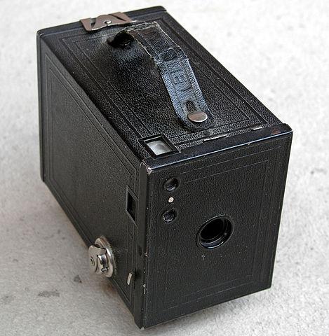 1910年頃のカメラ「コダックNo.2ブローニーカメラ」