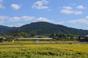 「奈良県桜井市にある三輪山」