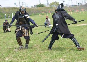 お弟子さんとの一騎打ちを行う横山氏。