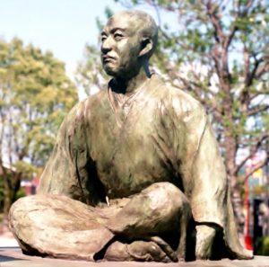 島津義久像(泰平寺公園)