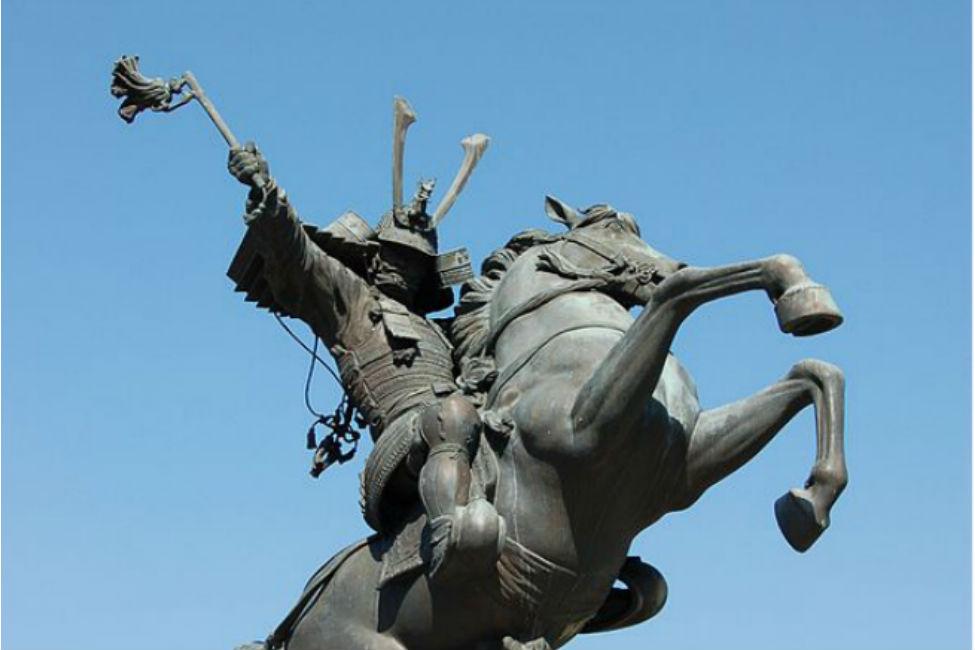【 夏休みに見に行きたい 】 カッコよすぎ!ご当地武将銅像ランキング