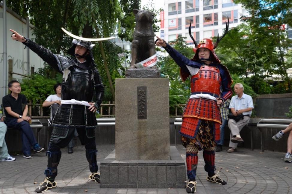 【 気分は映画俳優!? 】渋谷の街をバックに甲冑で写真撮影できるサービスが開始!