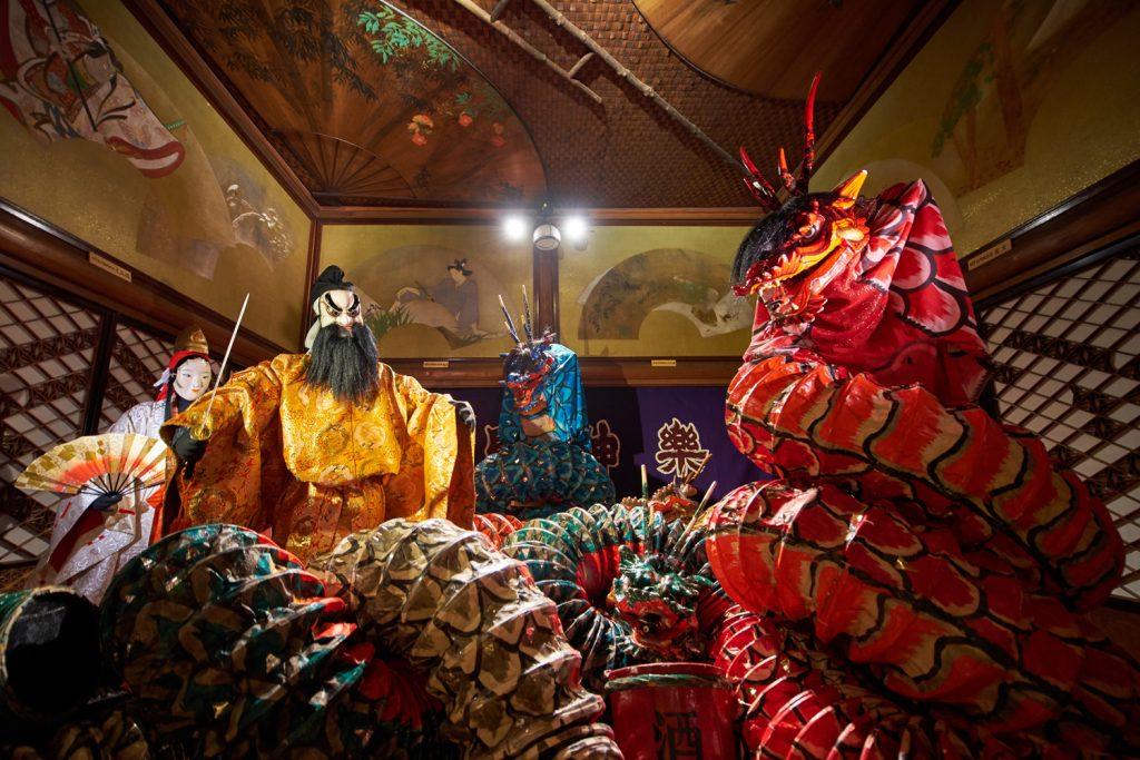 「勧善懲悪閻魔」をテーマにした青森ねぶた祭。