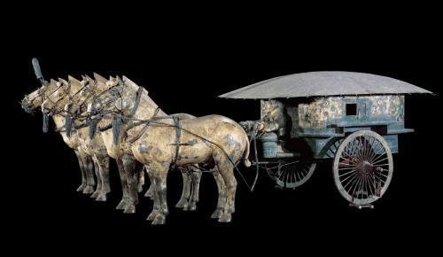 「始皇帝が乗っていた轀輬車(温涼車)。遺体もこれで運んだという」