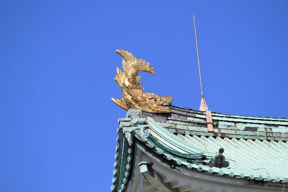 【 手を出すと災いが起こる? 】名古屋城天守に輝く金の鯱(しゃちほこ)
