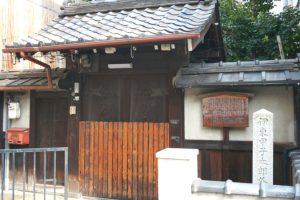 暗殺の場所となった京都・油小路沿いにある本光寺