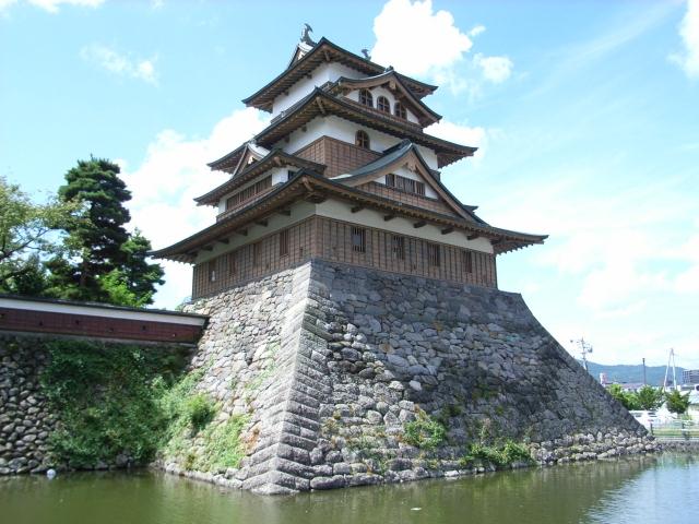 諏訪高島城の復興天守