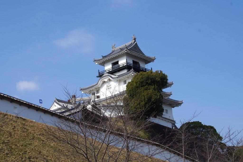 再建された掛川城天守