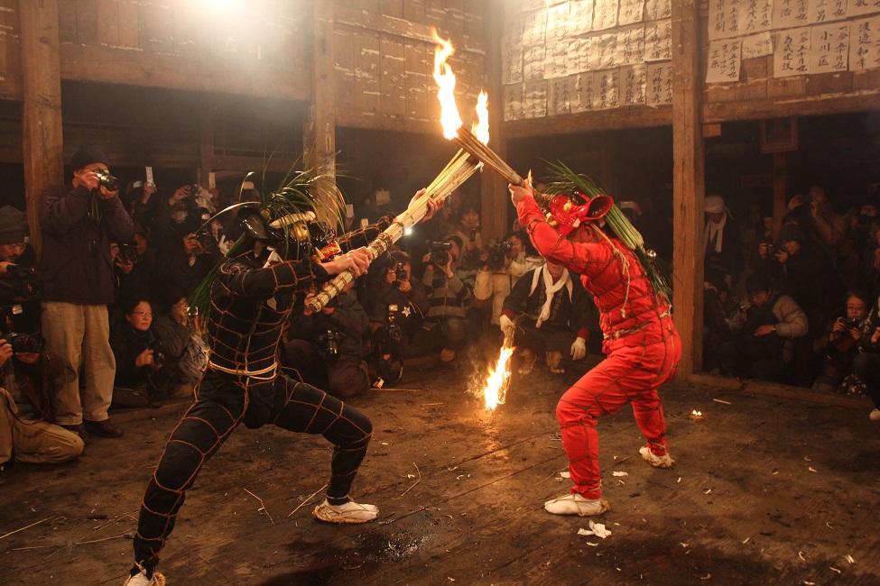 【 国東半島の奇祭「修正鬼会」 】 鬼の祭りに現れるよい鬼の正体とは?