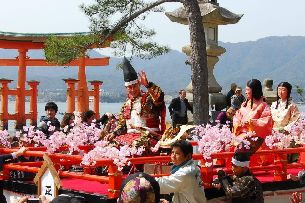 【 清盛公が厳島神社へ参詣行列 】必見!「春を呼ぶ宮島清盛まつり」が3月26日開催