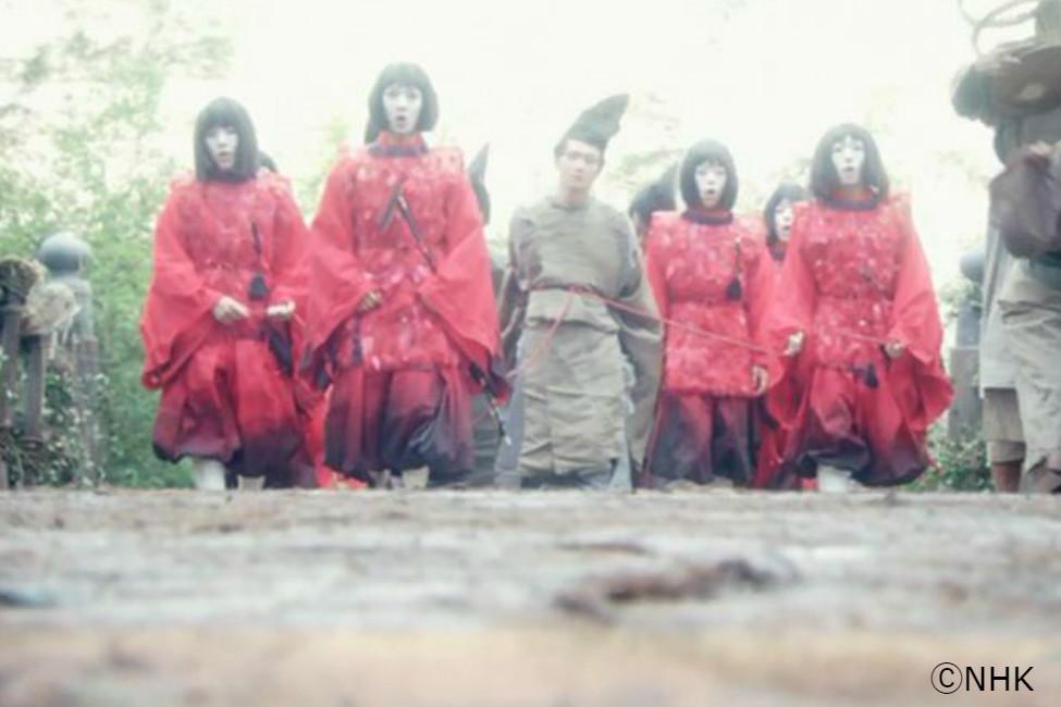 【 平安時代は赤装束のおかっぱ集団? 】平家物語や大河ドラマに登場する「禿(かむろ)」って実在したの?