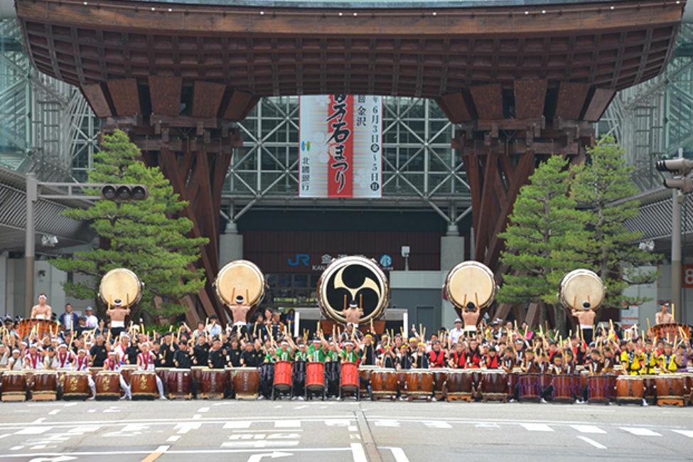 【 豪華絢爛 】藩祖・前田利家公を偲ぶ一大イベント!金沢百万石まつりが開催