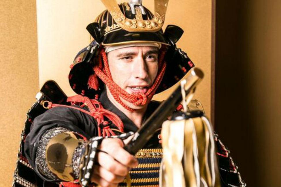 【 島津義弘の鎧を着られるのはここだけ!】鹿児島・仙巌園で甲冑着装&撮影体験