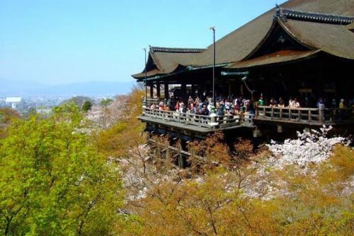 について 清水寺 京都を代表する古刹「清水寺」の見どころを紹介!清水・五条周辺のおすすめグルメやお土産も